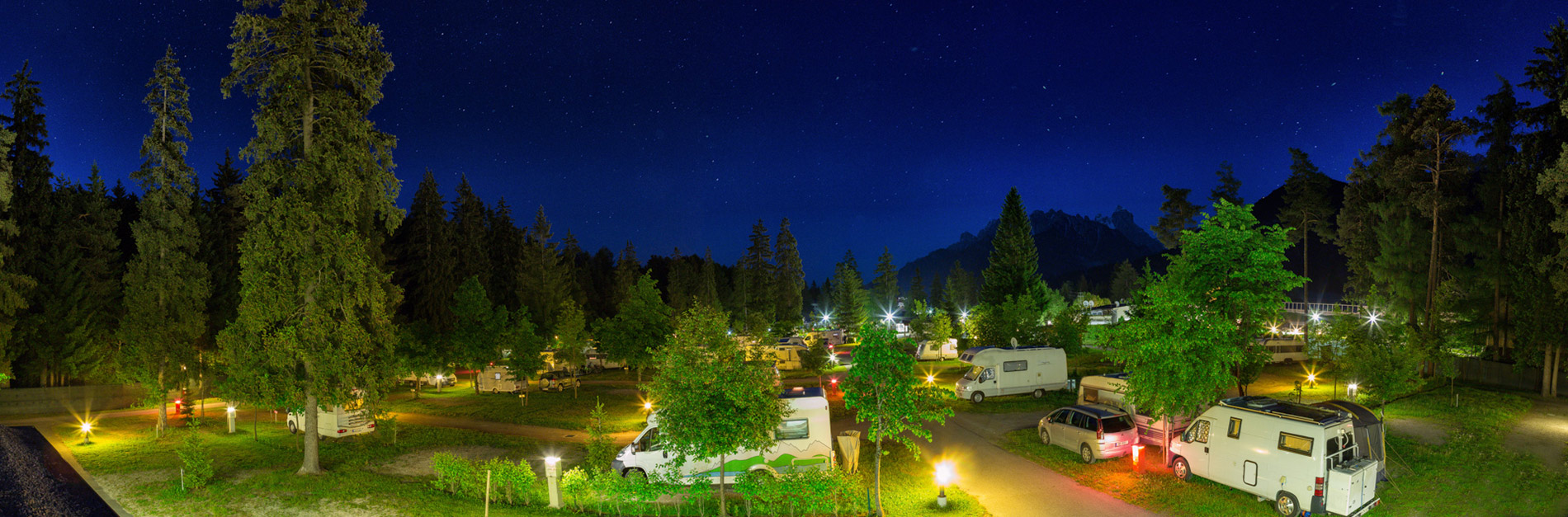 Camping Olympia by night